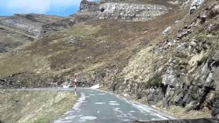 Descenso del Portillo de Lunada hacia Cantabria,