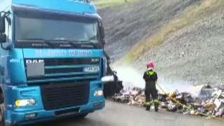 Incendio de un camión cargado con cartón en la A-67