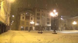 Nevando en Reinosa de noche