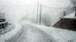 Intensa nevada en Campoo de Yuso