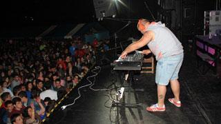 Sesión de Kiko Rivera DJ en Requejo